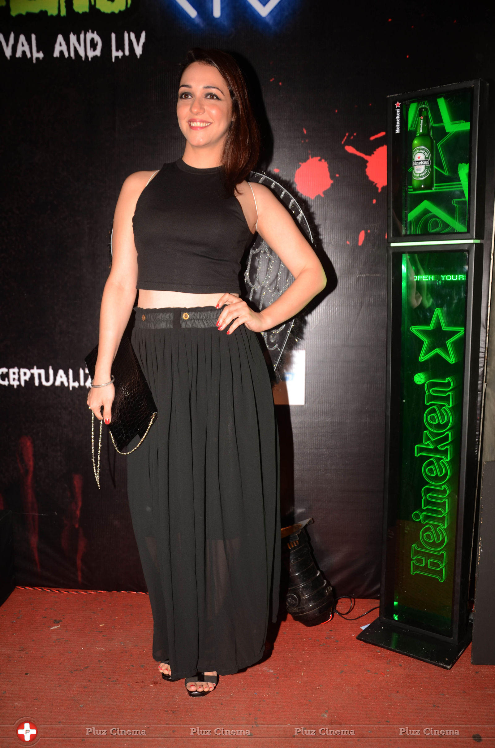 nauheed cyrusi - celebs attend halloween party thriller chillers photos