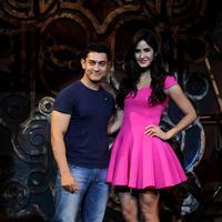 Katrina Kaif - Aamir dedicates Dhoom 3 title song to Sachin Photos